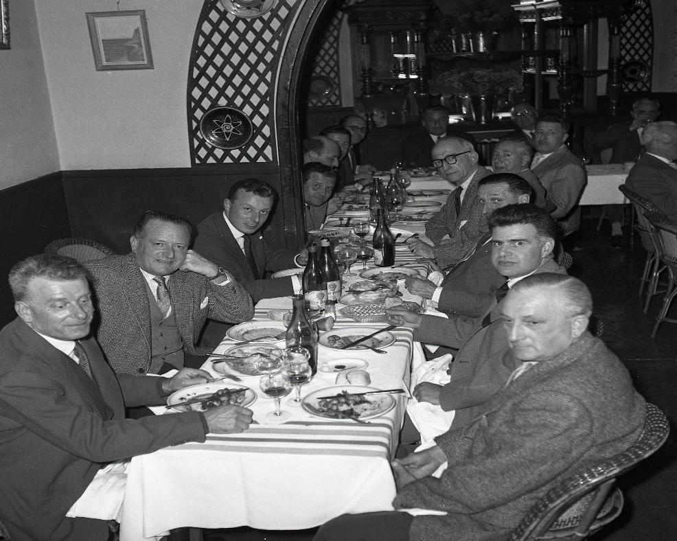 1959_banquet anciens_restau panier fleuri 2