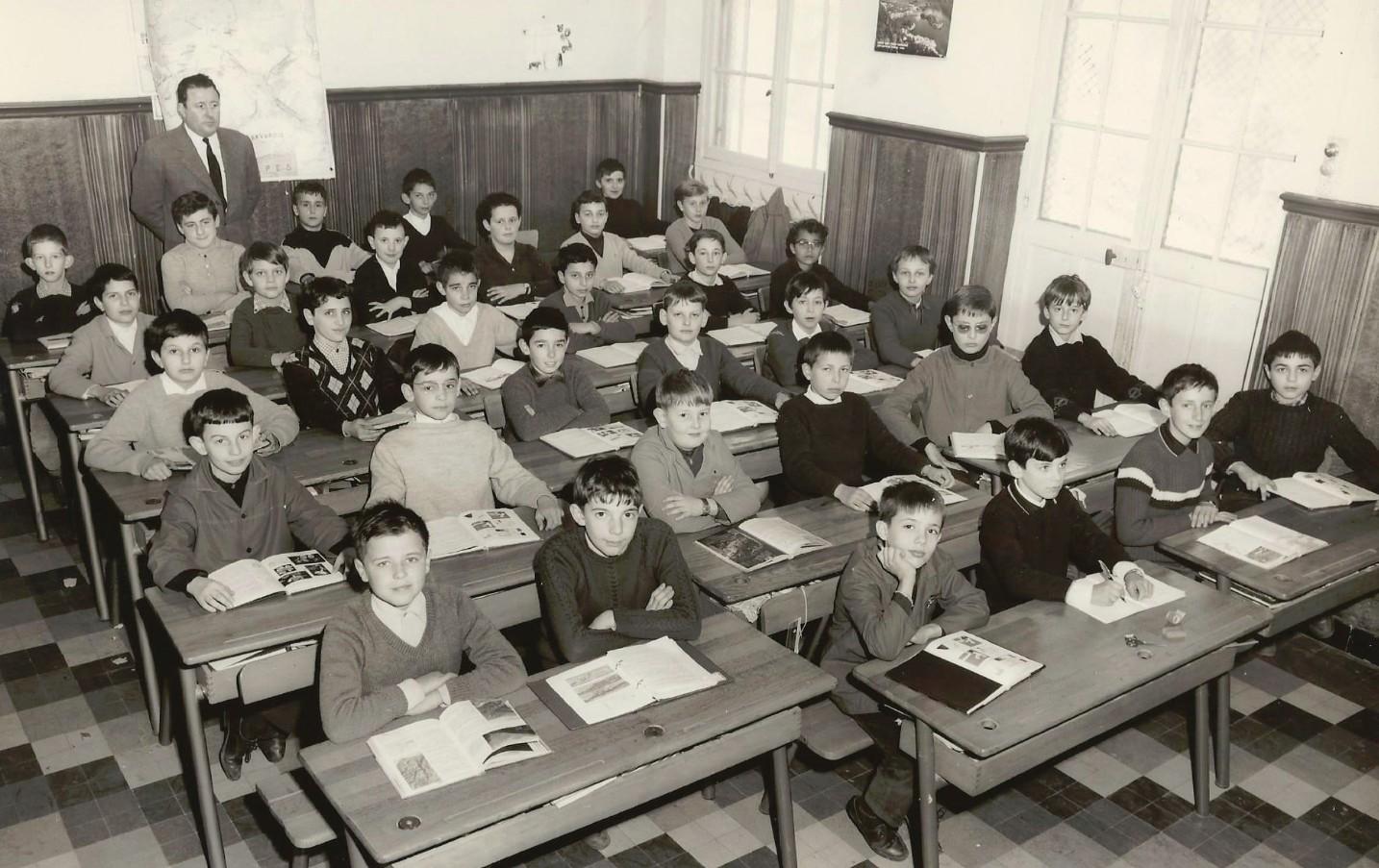 1966_1967_6°B_fond JP Rinino